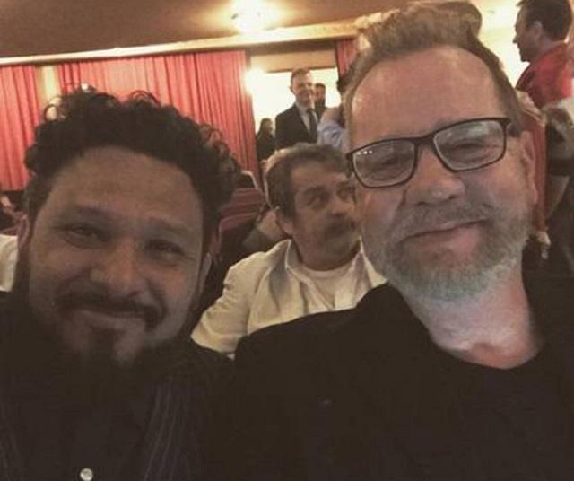 Luiz Fernando Guimarães e companheiro Adriano Medeiros prestigiaram o Prêmio da Música Brasileira